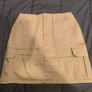 Army Green mini skirt w/ pockets